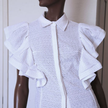 WHITE VINTAGE Blouse Top with Bold Ruffles and Collar Unique Pique