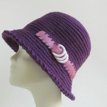 Purple knitted hat / Womens Fall and winter hat / Crochet hat pattern