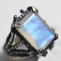 hecate. sterling silver & moonstone persephone ring.