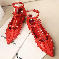 Rivet Red Pointed Toe Flat Shoes = 4814710532
