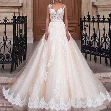 New Arrival Sexy A-Line Lace Wedding Dress Romantic Sheer Backless Bride Dresses