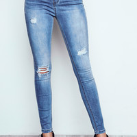 DISTRESSED CALI HIGH RISE MEDIUM FADED WASH SKINNY JEAN