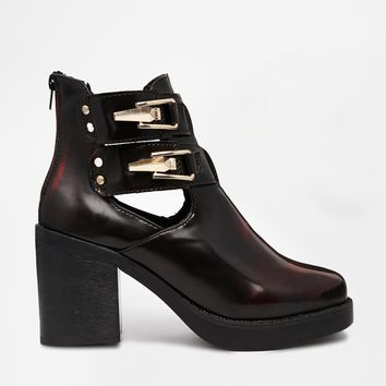 Truffle Cut Out Heeled Buckle Boots