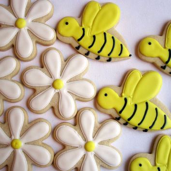 BUGS AND BLOOMS Sugar Cookie Party Favors, 1 Dozen