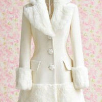 White Double Pocket Long Sleeve Fur Coat