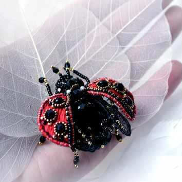 Ladybird brooch mini Insect jewelry ladybug Red black pin Unique brooch lady cow Beaded embroidered insect brooch ladybird beetle Nice gift