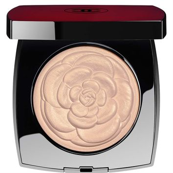 CHANEL - CAMÉLIA DE CHANEL ILLUMINATING POWDER