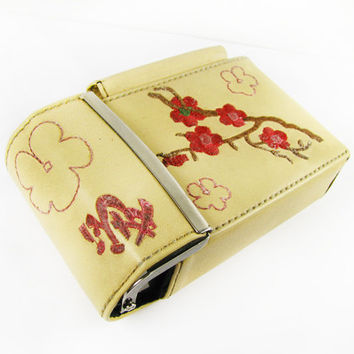 Vintage Cherry Blossom Cigarette Case with Lighter Pocket, Belt Loop and Embroideredy - Le Cas de Cigarettes Fleur.