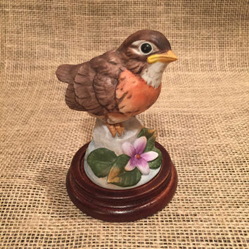 Vintage Robin by Andrea by Sadek/Made in Japan/Baby Robin/Porcelain Bird/Figure 6350/Gift/1980's/Wooden Stand