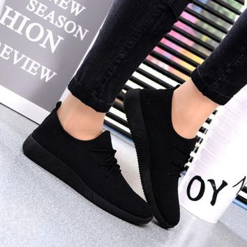 2018 Hot Women Sneakers Platform Shoes Breathable Summer 2018 New Casual Lightweight Shoes Slip on Flats Black Net Shoes Female