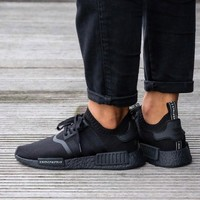 Best Online Sale Adidas NMD R1 Primeknit Triple Black BZ0220 Boost Sport Running Shoes Classic Casual Shoes Sneakers