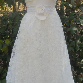 White wedding dress embroidered  lace  bride  romantic small by vintage opulence on Etsy