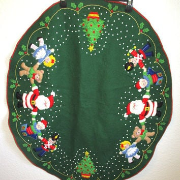 Vintage Christmas Green Felt Tree Skirt Applique Santa Toys Sequin Handmade