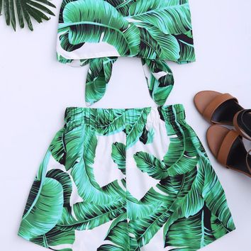 Gamiss Women Two Pieces Sets Strapless Lace Up Crop Top And Leaves Print Shorts Set Women Beach Casual Off The Shoulder Outfits