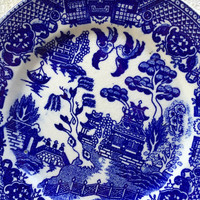 Vintage blue and white mismatched china salad / dessert plates for weddings, tea parties, bridal luncheons, showers, Wedgeood, Blue Willow