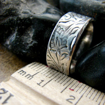 Simple Silver Paisley Wedding Ring