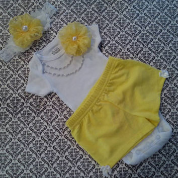 Baby Girl, Newborn Take Home Outfit, Yellow & White Floral Lace Shabby Headband, Yellow Shorts, Pearl Chain Necklace, Hospital Outfit