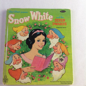 Vintage Disney Snow White and Seven Dwarfs Book 1967