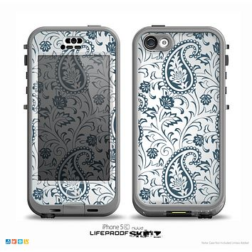 The Dark Green Highlighted Paisley Pattern Skin for the iPhone 5c nüüd LifeProof Case