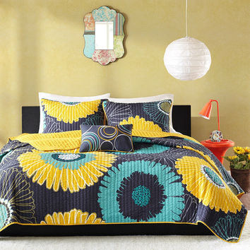 Full / Queen Navy Blue Yellow Oversized Floral 3 Piece Coverlet Quilt Set
