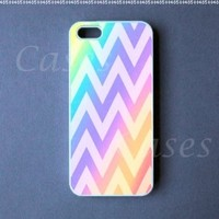 Chevron Iphone5case Colorful Custom Iphone 5 Cover Pretty Top Lovely Unique Cute Coolest:Amazon:Cell Phones & Accessories