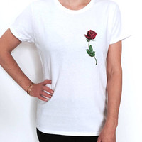 Red roses pocket T shirt women fashion trendy girly hipster cute top tumblr instagram blogger OOTD dope