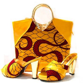 """CAPPUTINE"" New Arrival Women's Handbag with Heels Set"