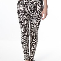 Paper Stencil Legging - Black & White at Lucky 21 Lucky 21