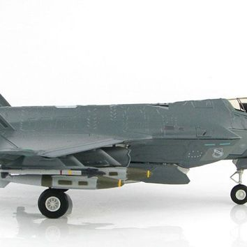 "F-35 (F-35A) Lightning II 4th FS ""Fighting Fuujins"" USAF  1/72 Scale Diecast Metal Model by Hobby Master"