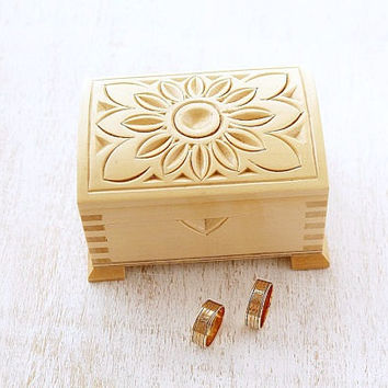 Wedding Ring Box, Wood Carved Ring Box, Natural Wood Ring Holder, Rustic Wedding Ring Box, Country Ring Box,  Antique Engagement Ring Box