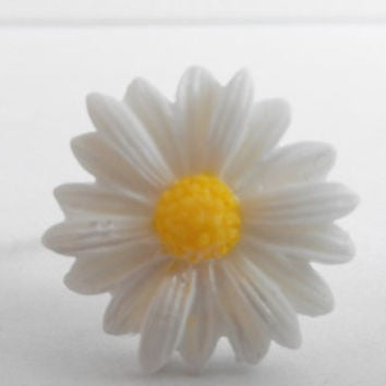 Adjustable White and Yellow Resin Daisy Flower Cabochon Ring
