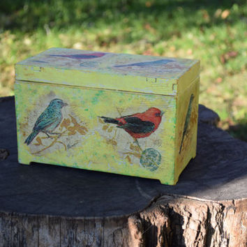 Birds Wood Box-Rustic wedding-Baby shower gift-wooden trinket keepsake-storage box-Bird-Kids-Girls-jewelry holder-shabby chic-ring boxes