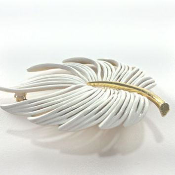 White Feather Brooch Astronaut Wives Mad Men Mod Mid Century MCM Gold Tone Statement Brooch Winter White Feather Fern Nature Snow White Boho