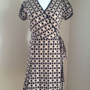 Beautiful Bcbg Wrap Dress. Black And Tan, Size Small. Excellent Condition!!