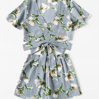 Allover Florals Crisscross Tie Detail Top With Shorts -SheIn(Sheinside)