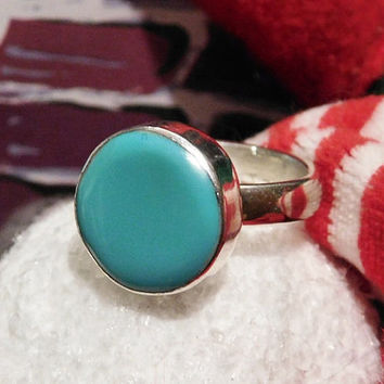 Mexican Turquoise Ring Sterling Silver Vintage Turquoise Ring Button Modernist Boho Gemstone Gem Mexico 925 ATI Size 8 Eight Thick Bold Ring