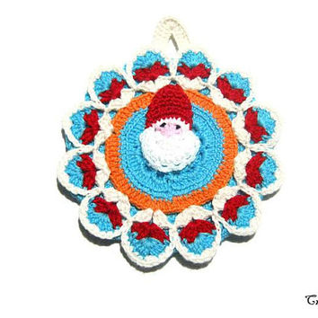 Colorful Christmas crochet potholder with Santa Claus, Presina di Natale ad uncinetto con Babbo Natale