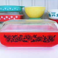 Rare Agee Pyrex Space Saver! Australian Pyrex, 2 quart oblong casserole with lid! Retro, orange, 'rambling rose' Crown Pyrex Space Saver!