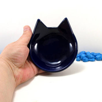 Navy blue cat ring dish, cat dish, jewelry holder, spoon rest, key holder, pottery cat dish, clay cat dish, cat lovers gift, tea bag holder