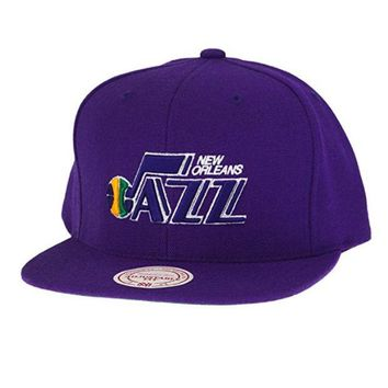 ONETOW NBA Mitchell & Ness New Orleans Jazz HWC Snapback Hat - Purple