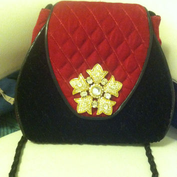 Vintage Purse with Diamond-like Crystals