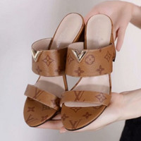 LV  Fashion and leisure High Heel Sandals