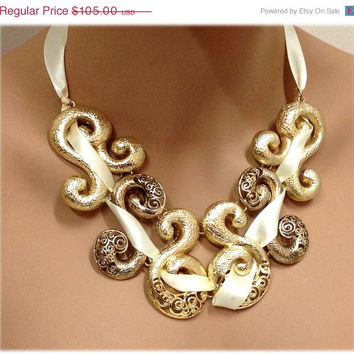 Golden chunky necklace , Ribbon twisted necklace, bib necklace , Gold tone necklace earrings set, formal jewelry
