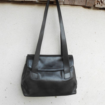 Vintage COACH No. 0118 - 210 Black Leather Shoulder Bag / Small - Medium / Authentic