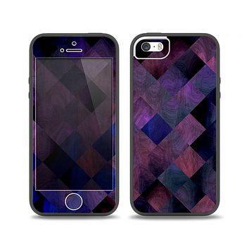 The Dark Purple Highlighted Tile Pattern Skin Set for the iPhone 5-5s Skech Glow Case