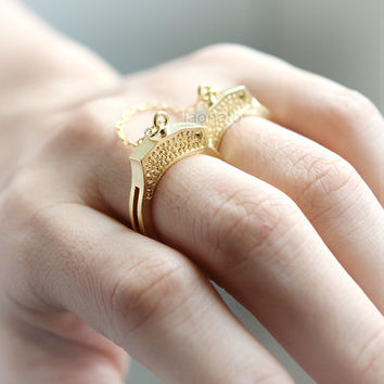 Partners in Crime Handcuffs Ring in gold
