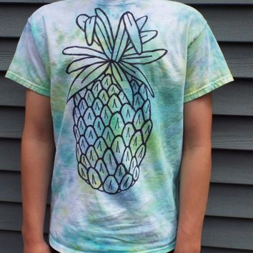 Pineapple Shirt, Unisex Adult Medium Tie Dye Pineapple T-shirt, Tie Dye Shirt, Tropical Fruit Shirt, Luau, Hawaiian Theme, Cruise Shirt