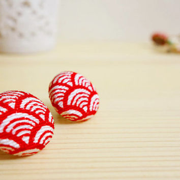 Kimono earrings, Japanese Chirimen Kimono covered button stud earrings - SHINJU - Sashiko wave Red