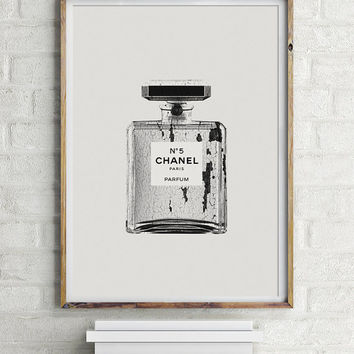 Chanel Perfume Bottle Print - Instant Download. Monochrome Chanel Poster. Illustration Wall Art. Fashion Poster. Chanel Nº 5 Print.