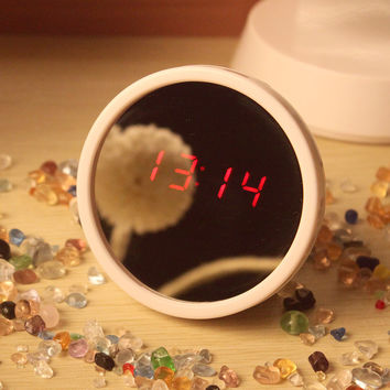Hot Sale Modern Mirror Clock Alarm Clock Creative Gift Multifunction Mirror Lovely Electronic Desk Table Clocks